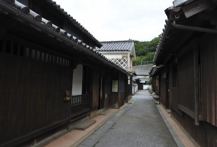 本島の笠島の町並み(伝統的建築物群保存地区に指定)