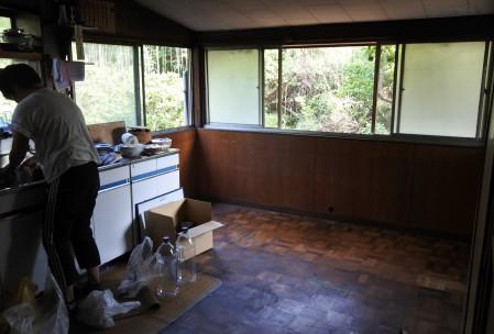 改修前のキッチンの様子